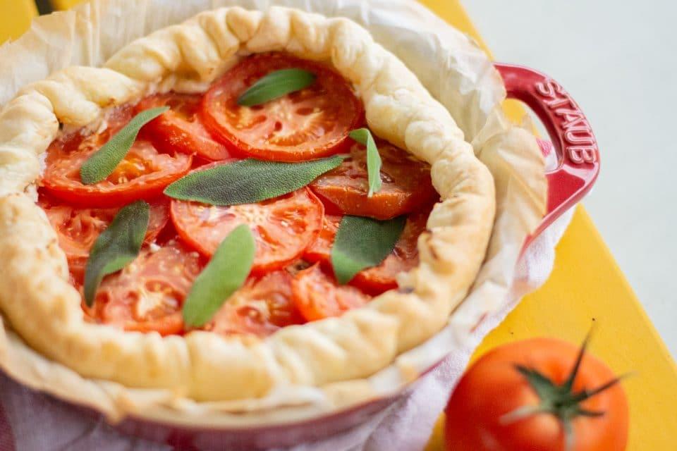 tomatentaart met salie